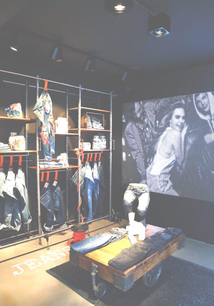 LED BCN Showroom